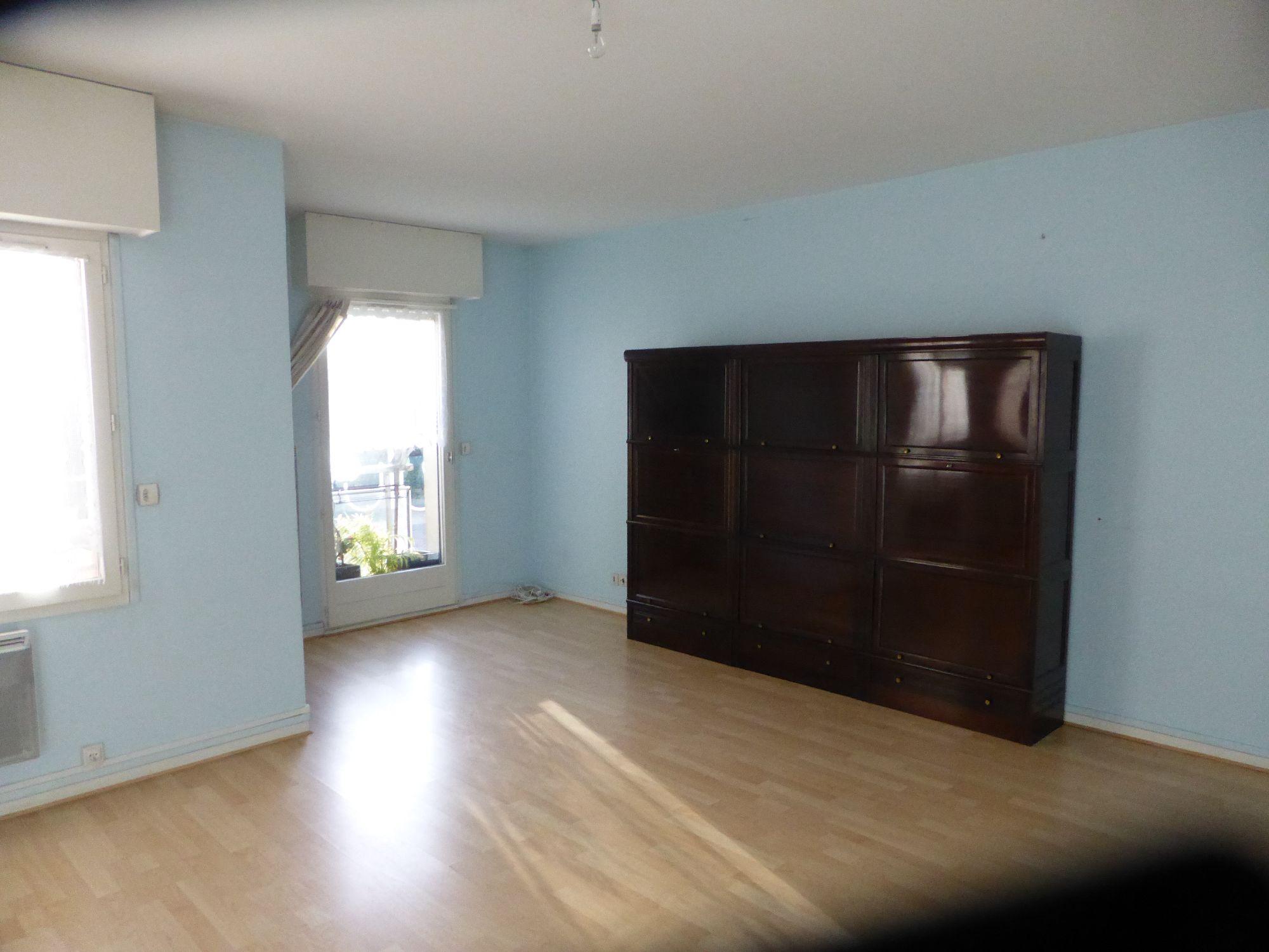 ANGERS Centre ville Résidence Services, Appartement de 39 m² habitables au calme, côté...